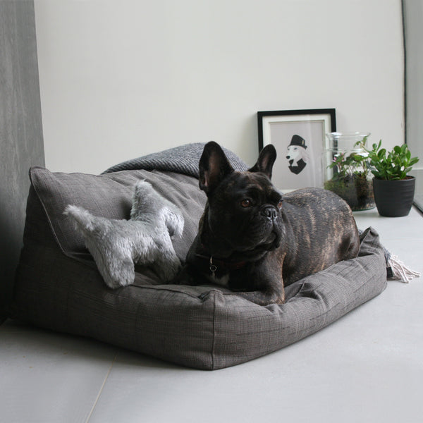 LYON - Deluxe Lounger Dog Bed - Medium