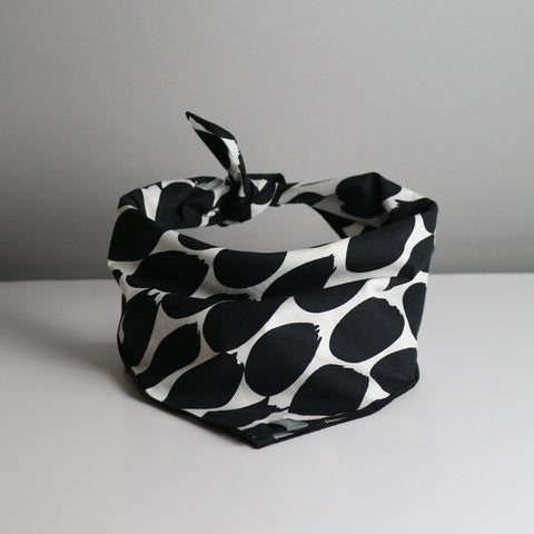 Marnie Dog Bandana - Black & White