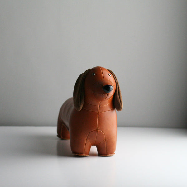 Zuny Dachshund Bookend - Tan