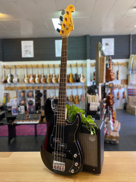 Essex | VEP62 | Vintage Series | Bass | Black