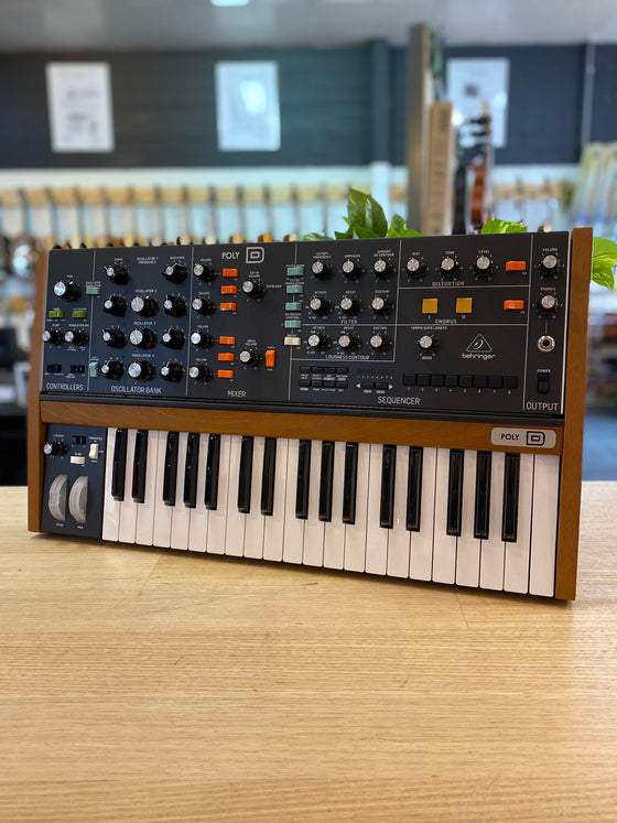 Behringer | POLY D | Polyphonic | Analog Synthesizer