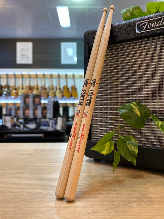 Vic Firth | 2B | Wood Tip | Drum Sticks