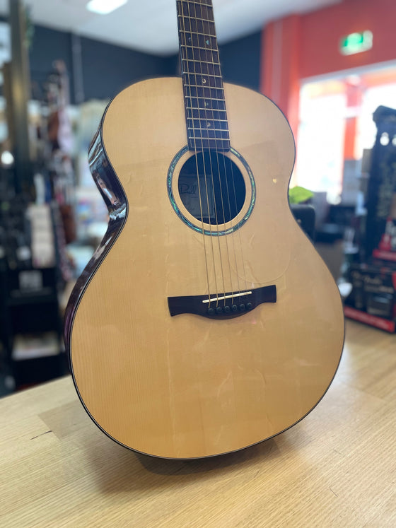 Eborall Guitars | OM/G2016CF | Custom Acoustic | Handmade in Australia
