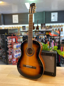 Córdoba | C5SB | Solid Spruce Top | Sunburst | GIg Bag Included