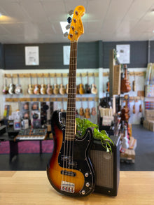 Essex | VEP62 | Vintage Series | Bass | Sunburst