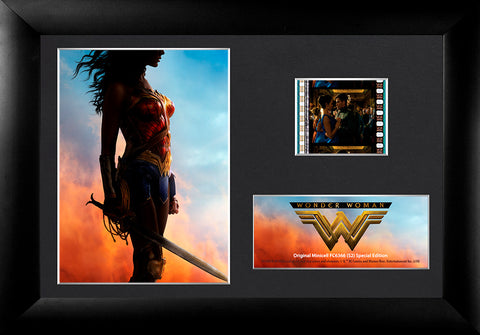 FilmCells: Wonder Woman (Red Gold and Blue) (S2) Minicell USFC6366