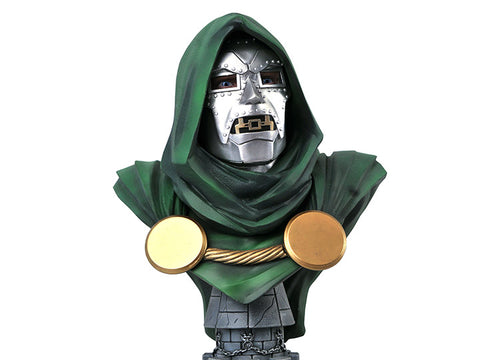 PRE-ORDER: Diamond Select Marvel Legends In 3D Doctor Doom 1:2 Scale Bust