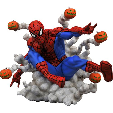 PRE-ORDER: Diamond Select Marvel Gallery Pumpkin Bomb Spider-Man Statue