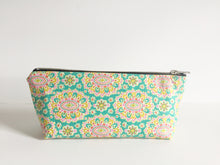 Mint and Wildflowers Essential Oil Bag