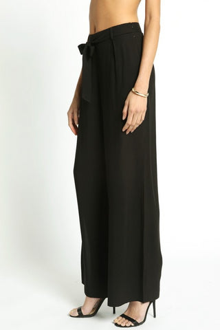 'Graceful Lines' Pants - Black