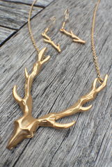 'Hunting Trip Trophy' Necklace Set