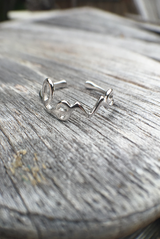 'Love Goes Around' Ring