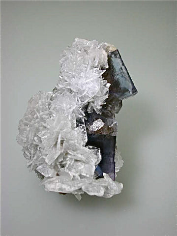 Barite on Fluorite, Rosiclare Level Minerva #1 Mine attr., Allied Chemical Company attr., Cave-in-rock District, Southern Illinois, Mined ca. early 1970's, Noll Collection #4722, Medium Cabinet 6.0 x 8.0 x 10.5 cm, $450. Online 3/11.  SOLD.