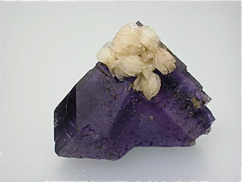 Barite on Fluorite, Rosiclare Level, Rosiclare Level Annabel Lee Mine, Ozark-Mahoning Company, Harris Creek District, Southern Illinois, Mined November 1995, Kalaskie Collection #42-266, Miniature 4.5 x 6.5 x 6.8 cm, $250. Online 12/15.