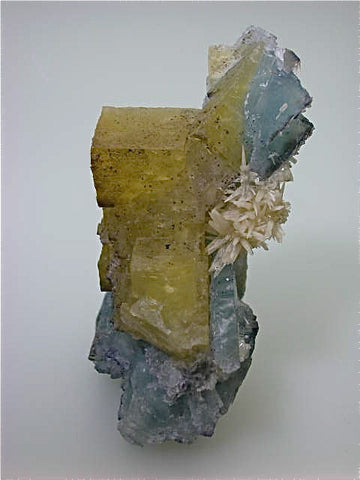 Calcite on Fluorite, Bethel Level, Annabel Lee Mine, Ozark-Mahoning Company, Harris Creek District, Southern Illinois, Mined c. 1986-1988, Tolonen Collection, Medium Cabinet 5.5 x 7.5 x 12.0 cm $450. SOLD