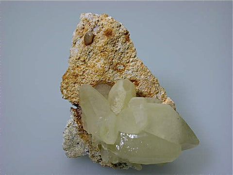Calcite, Mikhalkovo Mine, Southern Rhodope Mountains, Bulgaria, Mined ca. early 1990s, Medium Cabinet 6.5 x 7.5 x 11.0 cm, $75. Online 3/23.