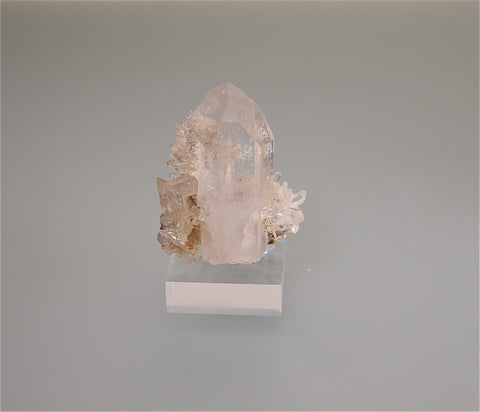 Quartz, White Haven, Pennsylvania, Holzner Collection #1082, Miniature 3.5 x 4.5 x 6.0 cm, $75.  Online 5/1