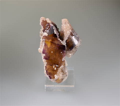 SOLD Calcite on Fluorite, Rosiclare Level, Crystal Mine, Cave-in-Rock District, Southern Illinois, Mined c. 1970's, Holzner Collection #628, Small Cabinet 5.0 x 6.5 x 7.2 cm, $200. Online 8/10.
