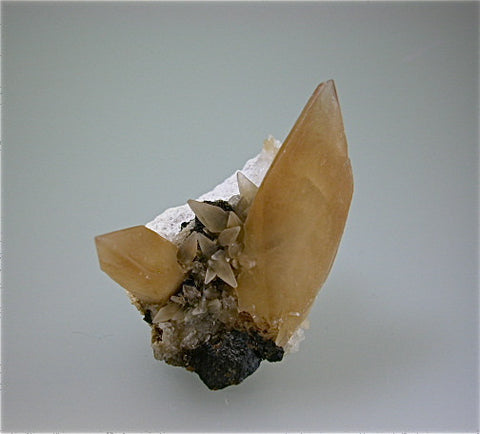 Calcite on Barite and Sphalerite, Rosiclare Level, Minerva #1 Mine, Ozark-Mahoning Company, Cave-in-Rock District, Southern Illinois Miniature 4 x 5 x 7 cm $125. SOLD