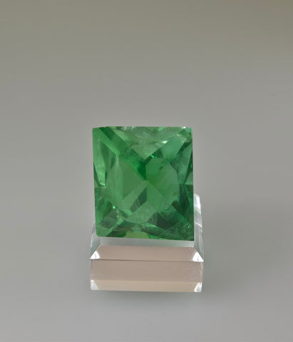 Fluorite, William Wise Mine, Westmoreland, Cheshire County, New Hampshire, Miniature, 3.5 cm on edge, $850. Online 10/9