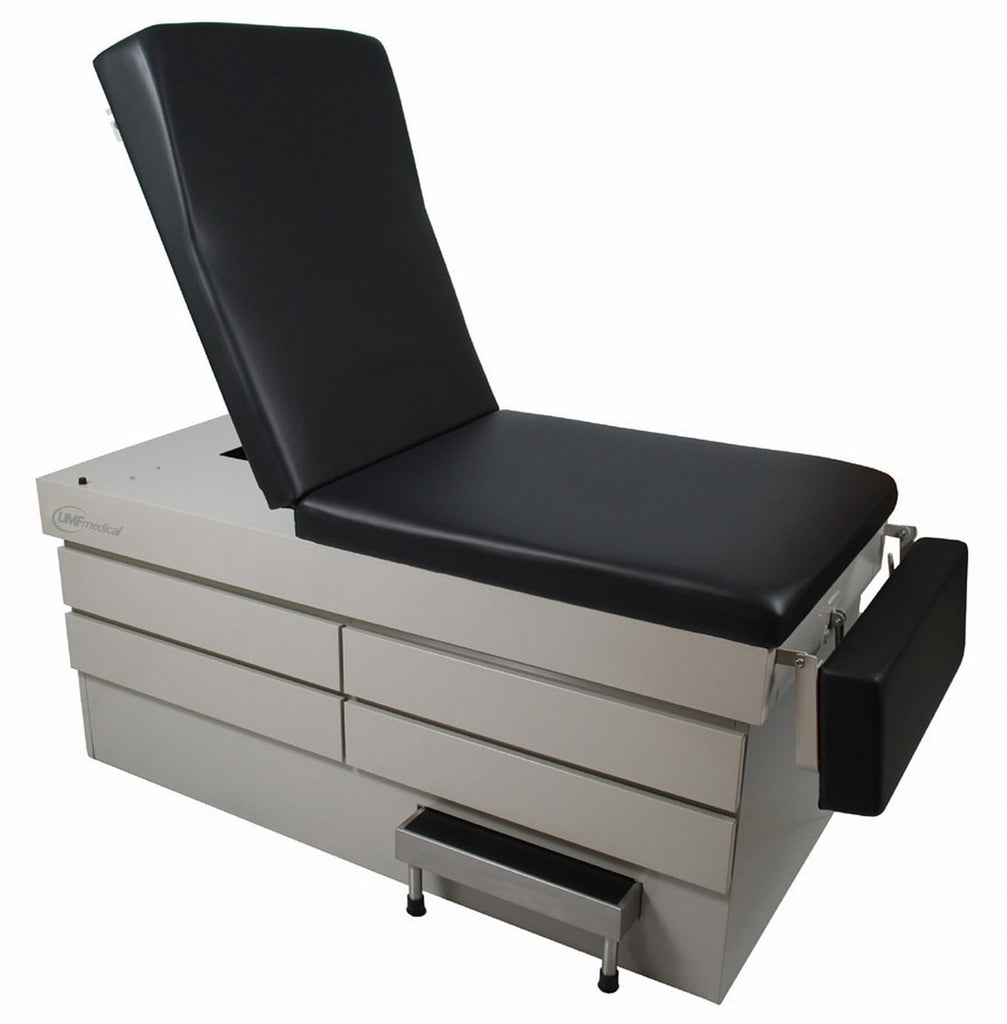 This power exam table from UMF is a workhorse in clinical environments with bariatric patients