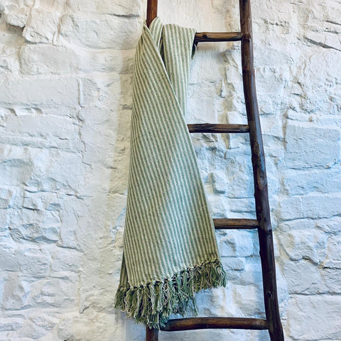 Cream / Light Green Wide Stripes Throw