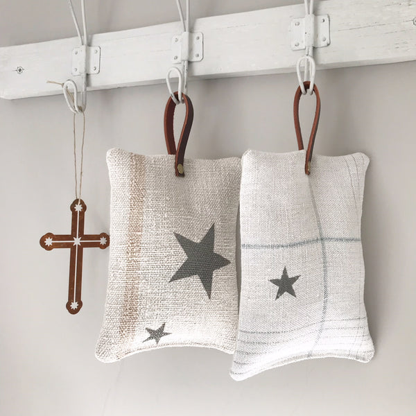 Star Linen Decorative Hanger