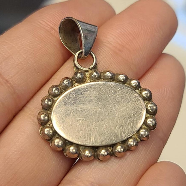 Sterling Silver Mirror Pendant - PopRock Vintage. The cool quotes t-shirt store.