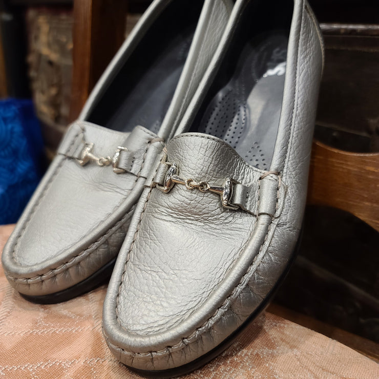 PRICE DROP TRIPAD SAS  silver loafer sz 7 - PopRock Vintage. The cool quotes t-shirt store.
