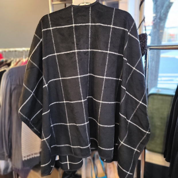 OLD NAVY NWT Black & White Checkered Wrap M L - PopRock Vintage. The cool quotes t-shirt store.
