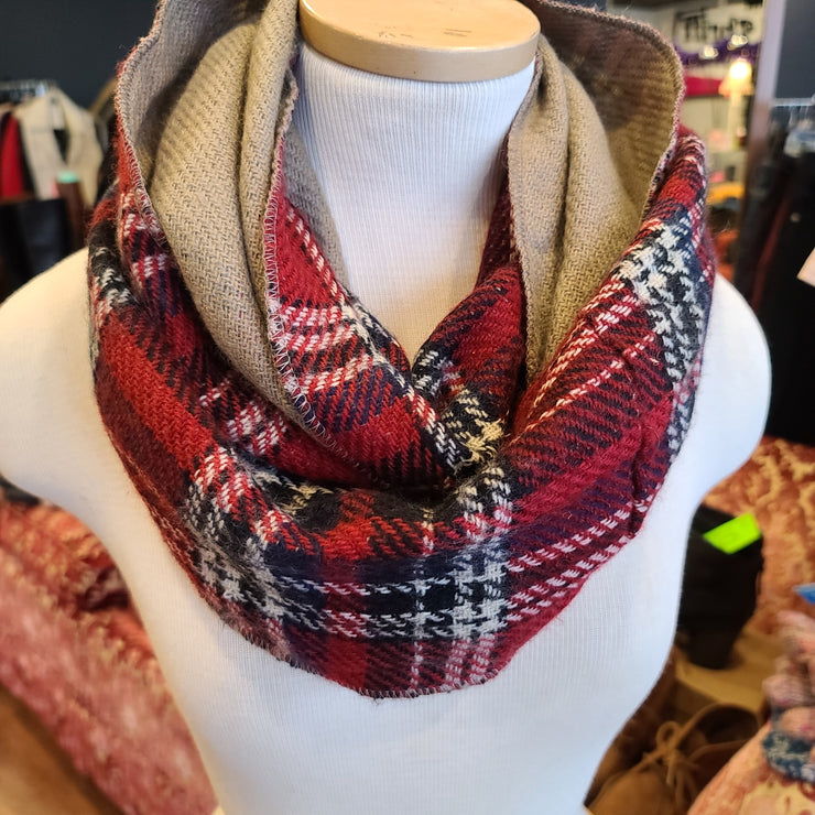 CHERI Red Plaid Infinity Scarf - PopRock Vintage. The cool quotes t-shirt store.