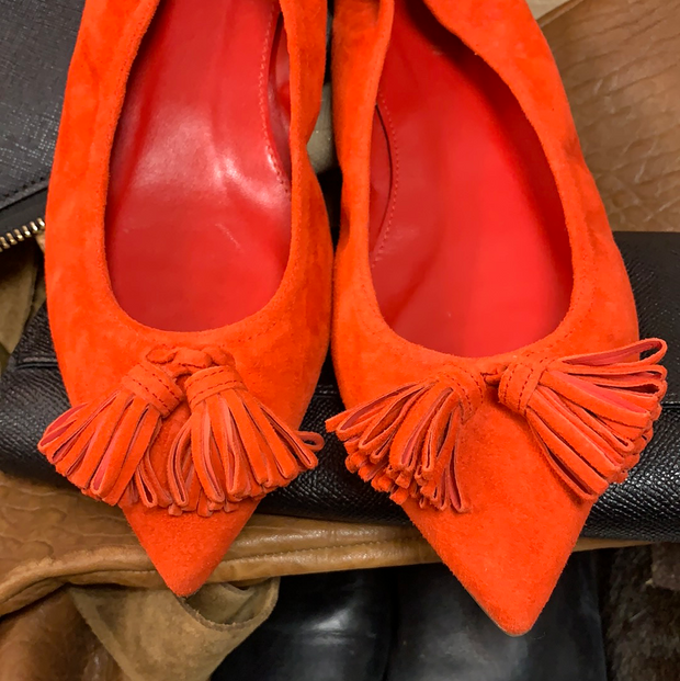 PRICE DROP! J CREW ORANGE POINTY FLATS 6 - PopRock Vintage. The cool quotes t-shirt store.