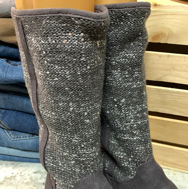 PRICE DROP! UGG Camaya Knit Boots 8 - PopRock Vintage. The cool quotes t-shirt store.