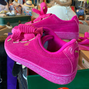 PUMA New NIB Pink Suede Sneakers 7 - PopRock Vintage. The cool quotes t-shirt store.