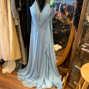 CACHET Light Blue Flowy Prom Dress 10 - PopRock Vintage. The cool quotes t-shirt store.