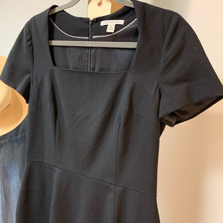Banana Republic LBD 10 - PopRock Vintage. The cool quotes t-shirt store.