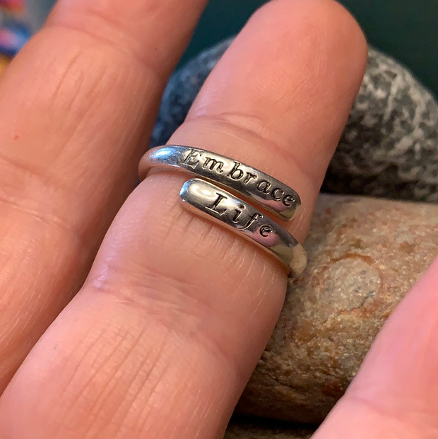 "STERLING SILVER ""Embrace Life"" Engraved Ring 6 - PopRock Vintage. The cool quotes t-shirt store."