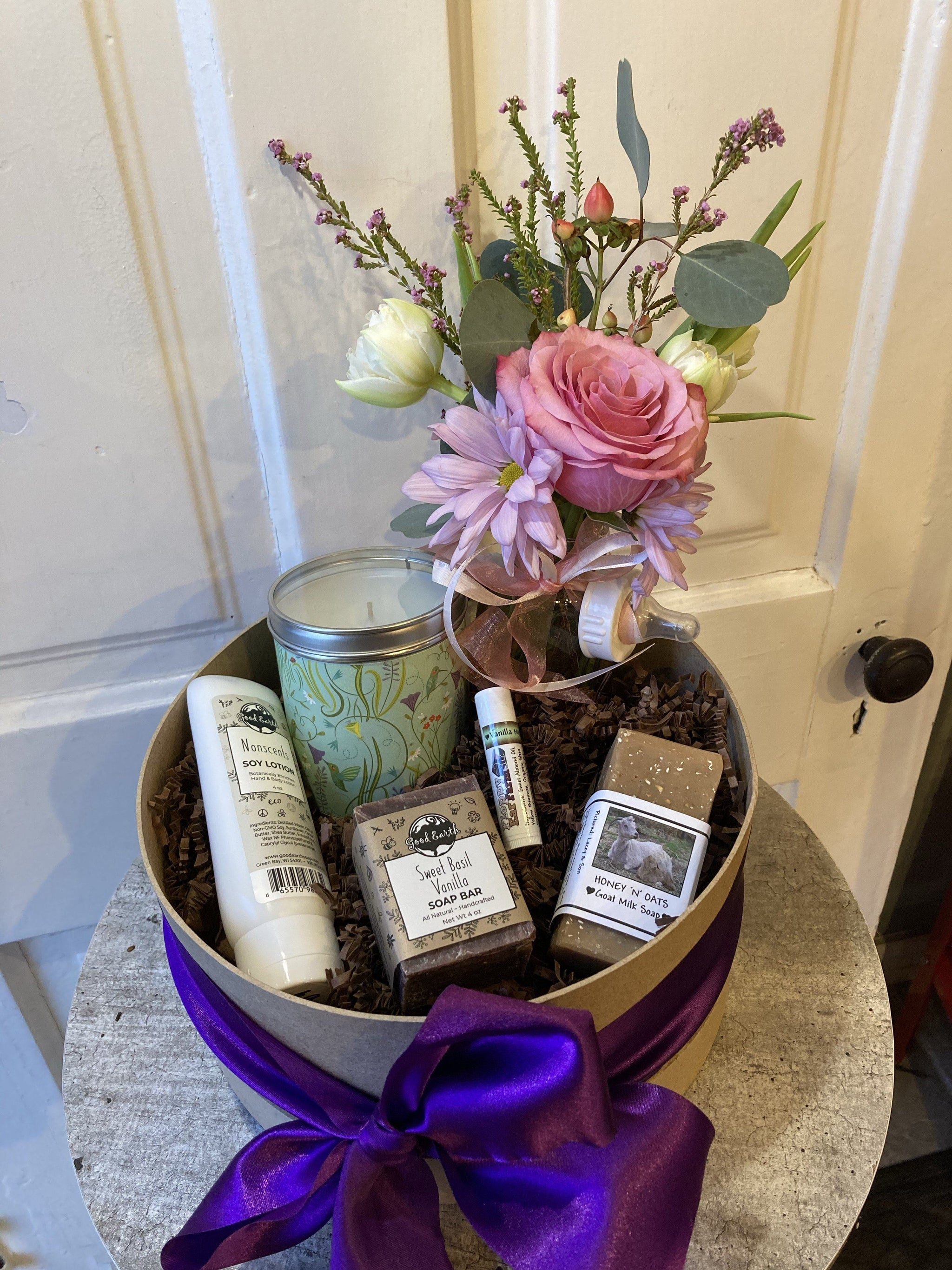 new mom basket (baby girl)