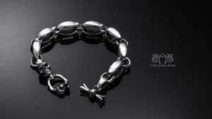 Infinite Bracelet | Essence Collection