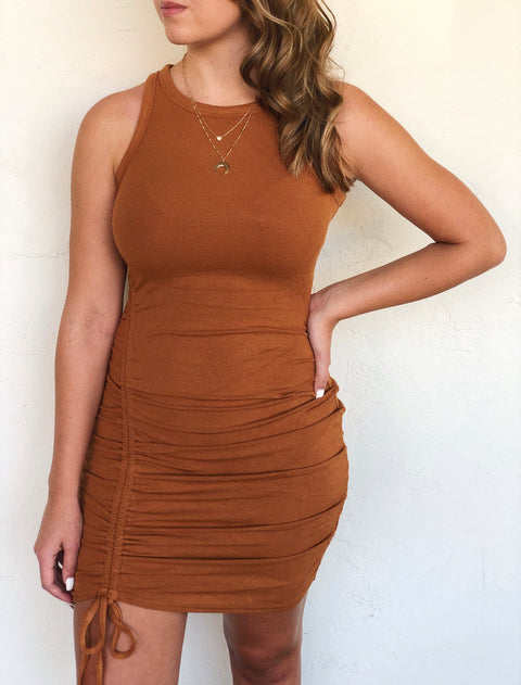TULA SIDE RUCHED TANK DRESS (Cinnamon)