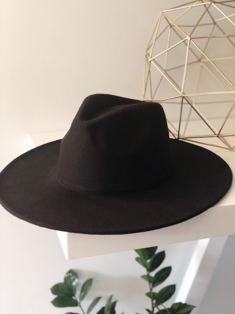 ROCCO WIDE BRIM HAT (Black)