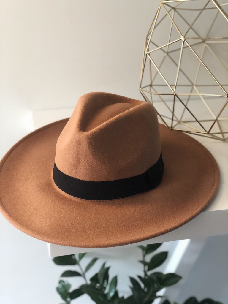 RAVEN WIDE BRIM HAT (Brown)