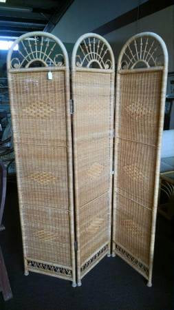 Gorgeous Wicker Screen