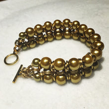 Load image into Gallery viewer, Chain Maille Bracelet in Japanese 8-in-2 Weave with Glass Pearls