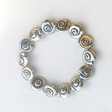 Load image into Gallery viewer, Stretchy Bracelet with Pewter Beads, Silver Shells
