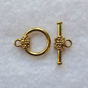 Toggle Clasp with Flower Design, Gold-Plated, 14mm.