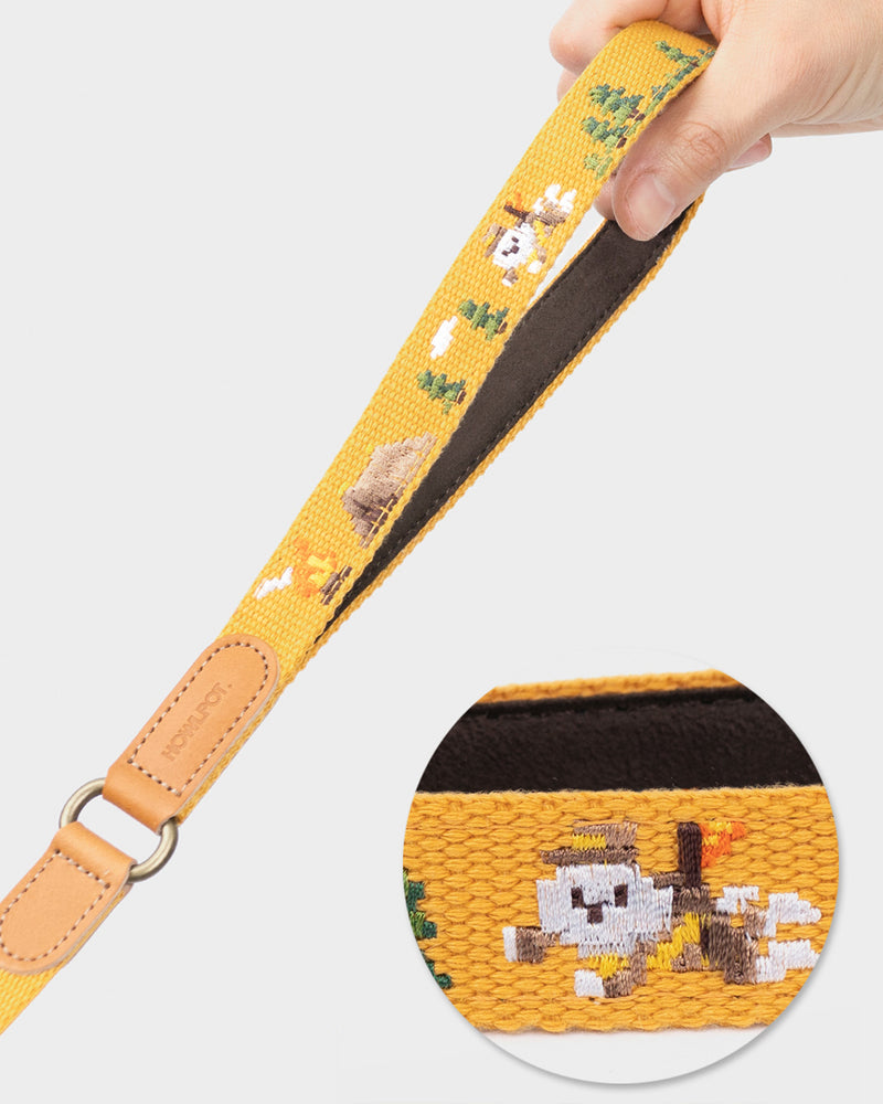 Dog leash with superhero dog embroidered. Mustard and yellow color.