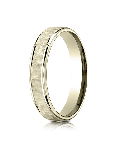 Benchmark 18k Yellow Gold Comfort Fit 4mm High Polish Edge Hammered Center Design Band, (Size 6-13)
