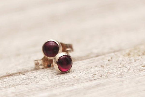 Garnet silver dot stud earrings