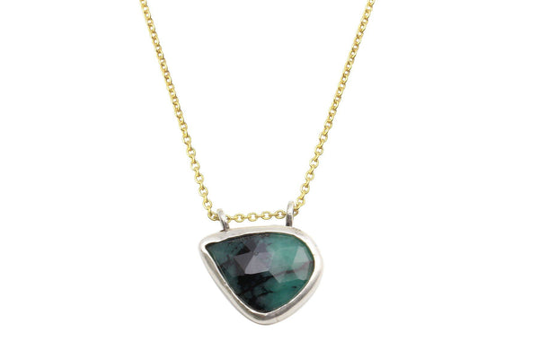 Rosecut emerald sterling silver necklace